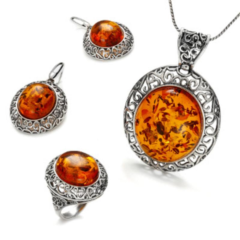 b434e327c Medově žlutá barva je moderní a hodí se ke každému typu ženy a jejímu  oblečení. To je na tomto šperku dokonalé a jednoznačně nejlepší!