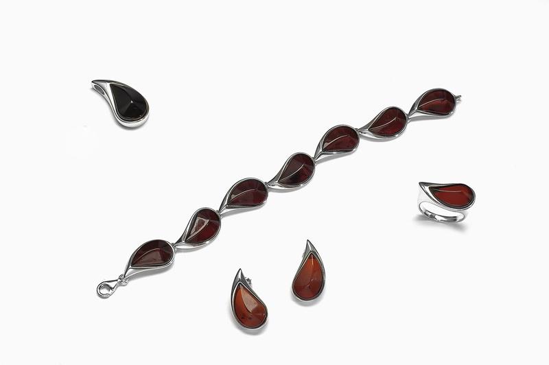 Dokonalá kolekce šperků s jantarem ae8d0e453b0